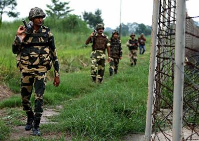 3 civilians hit as India violates ceasefire at LoC, Pakistan Army target Indian posts in retaliation