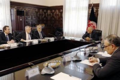 Top US diplomats hold security meeting with Afghan President