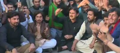 Rape of student: demo against police in Multan