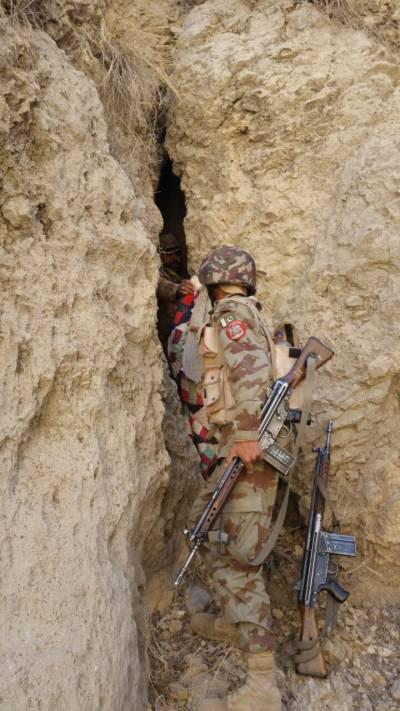 FC Balochistan arrest 11 suspects, recover arms