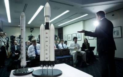 SpaceX poised to launch world's most powerful rocket