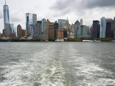 False tsunami alert sent to US coasts