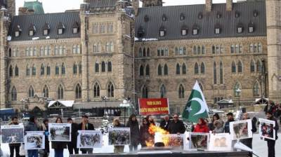 People express solidarity with Kashmiris in Canada