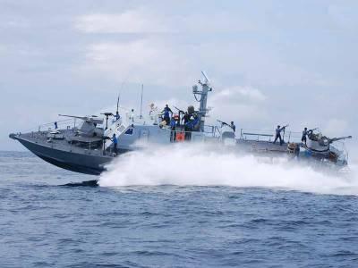 Srilankan Navy arrest Indian fishermen, seizes boats