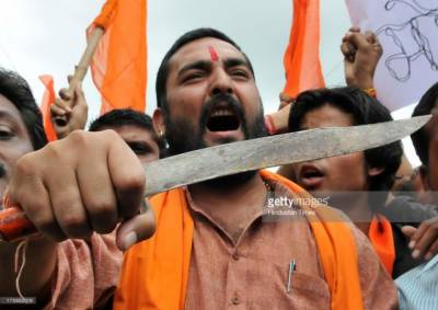 Hindu extremists RSS Army vow to fight at border