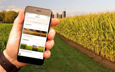 Millions of farmers to get smartphones in Punjab