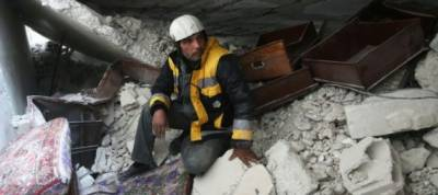 Under bombs, Syria rescuers forced to save their own