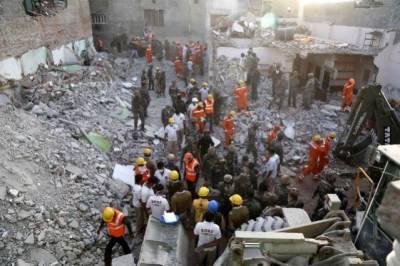 Explosion in India kills atleast 18