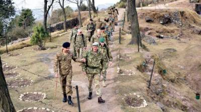 Top Defence Attaches visit LoC in Azad Kashmir