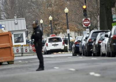 Vehicle rammed into White House security barrier: US secret service
