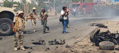 Car bombs in Yemen's Aden kill 14
