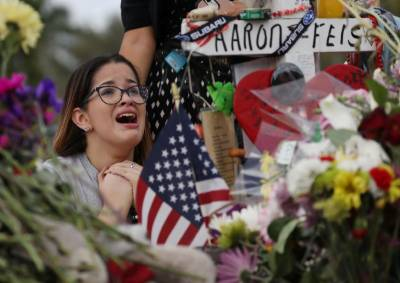 After shooting, students make emotional return to Florida school