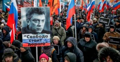 Russians march for murdered hero Nemtsov ahead of presidential vote