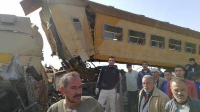 15 people killed in Egyptian train crash