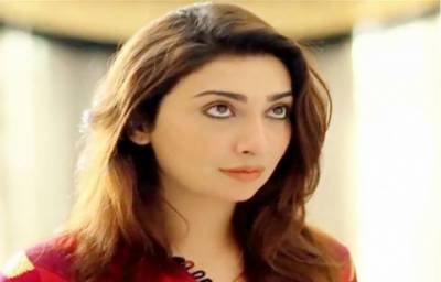 Pakistani film actress Aisha Khan bids sudden farewell to media