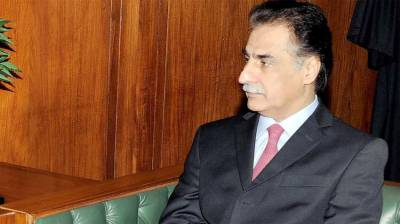 Ayaz assures to resolve problems of textile industry
