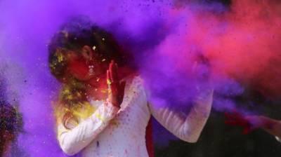 India female students take on 'Holi harassment'