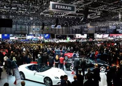 Automakers roll out new battery-powered cars at Geneva show