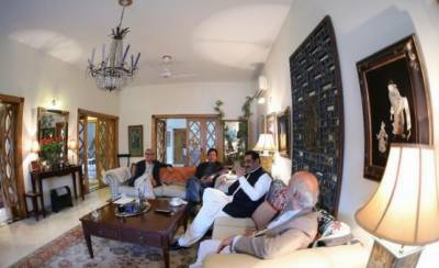 Another big blow to PML N as sitting MNA joins PTI