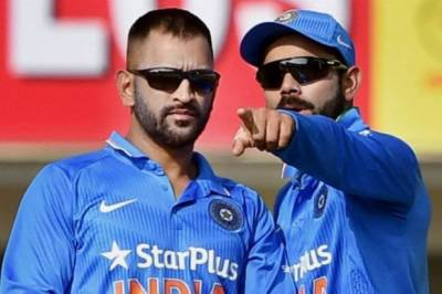 BCCI hugs Kohli, snubs Dhoni in New players category