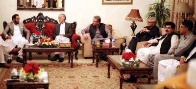 CM Balochistan along with his group of Senators meet CM Pervaiz Khattak