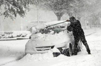Snowstorm hits U.S. Northeast