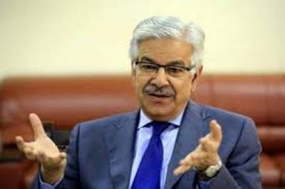 Kh Asif flays Imran's politics of conflict & confrontation
