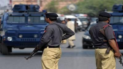 Police arrest 14 criminals in Karachi