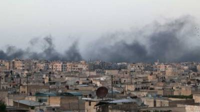 10 killed in Syria airstrikes