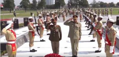 South African Army Chief calls on COAS General Bajwa in GHQ