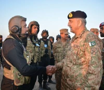 COAS General Bajwa visits Bahawalpur Corps Headquarters