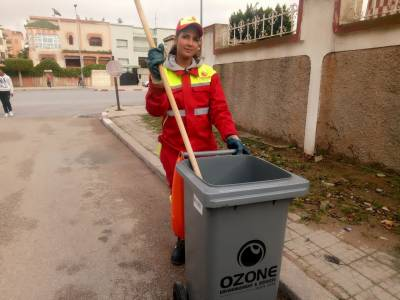 Sanaa Maatat: A street cleaner becomes beauty peagunt overnight