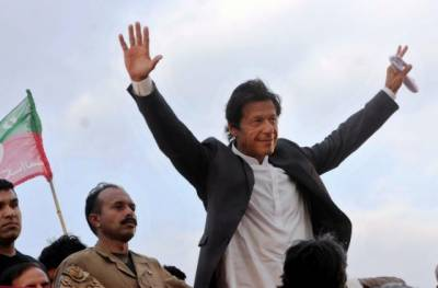 Imran Khan to visit PTI membership camps in Karachi
