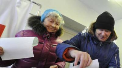 People voting in Russian presidential elections today