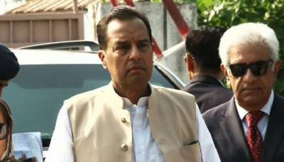 Captian (R) Safdar in hot waters