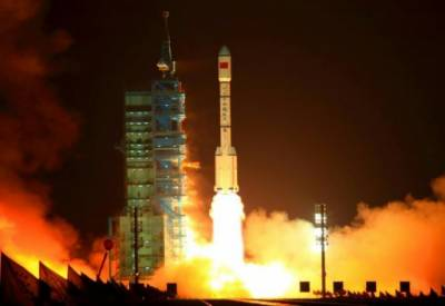 Where and When will Chinese space Lab crash into earth?