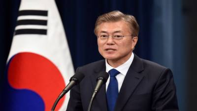 South Korean President visits his troops training Emiratis
