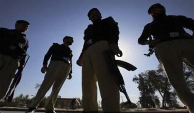 PAF, PN civilian employees arrested in gang of criminals in Karachi