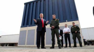 Trump talks to Pentagon about funding border wall