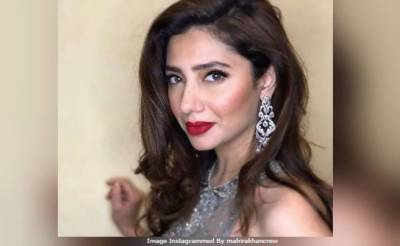 Mahira Khan burns the dance floor (VIDEO)