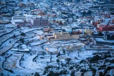 Massive snowfall in Saudi Arabia