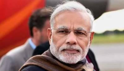 Narendra Modi surrenders before Journalists, Media pressure