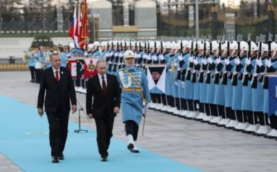 Russian President Putin embarks on official visit to increasingly closer partner Turkey