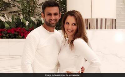 My husband is still a spring chicken, Sania Mirza tweets in defence of Shoaib Malik