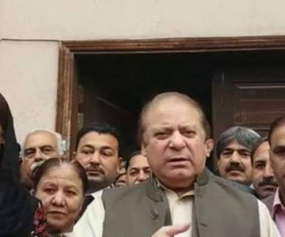 Nawaz Sharif talks to journalists