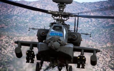 US Military Apache gunship Helicopter crashes