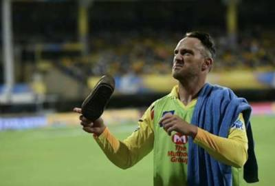 IPL Foreign players threatened with shoes and Snakes in Chennai, India