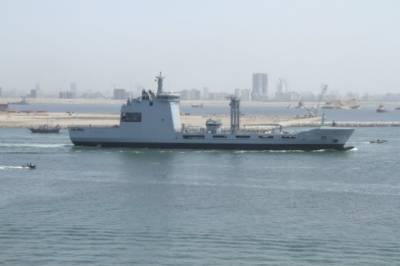 British Royal Navy sent submarines within missile striking range of Syria: Report