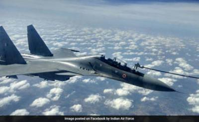 (VIDEO): IAF Su 30 Fighter Jets refuel during largest exercise of Indian history near Pakistan borders