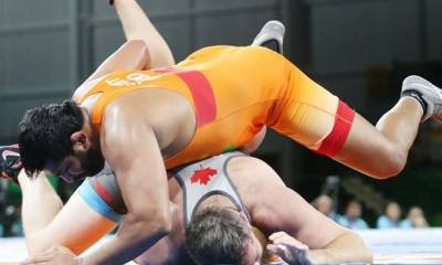 Indian wrestler wins gold at commonwealth games but after biting the opponent in final